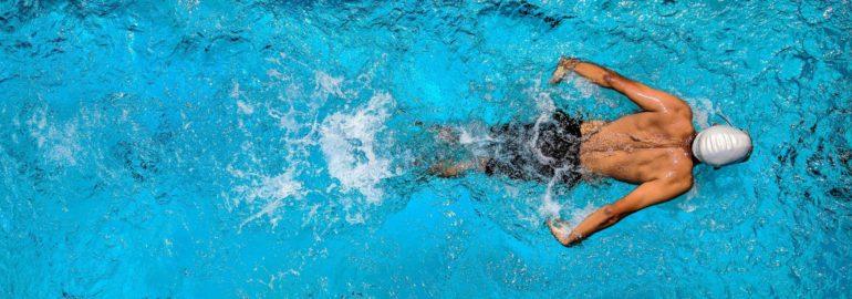 Обложка: Где вы будете плыть быстрее — в воде или сиропе?