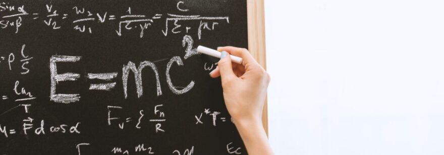 Обложка: Насколько программисту нужно знание математики в работе?