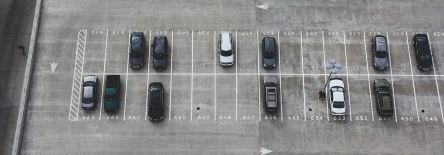 Обложка: День, магазин, парковка — задача для программистов