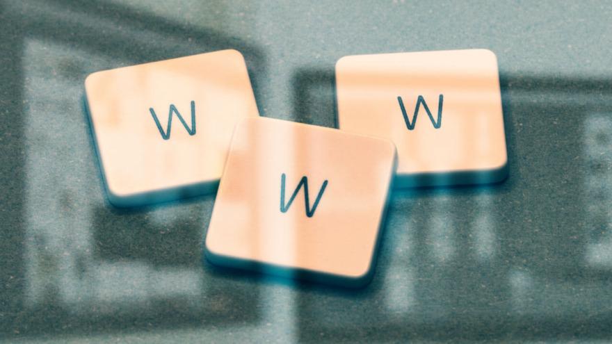 Обложка: Влияние доменного имени на развитие сайта